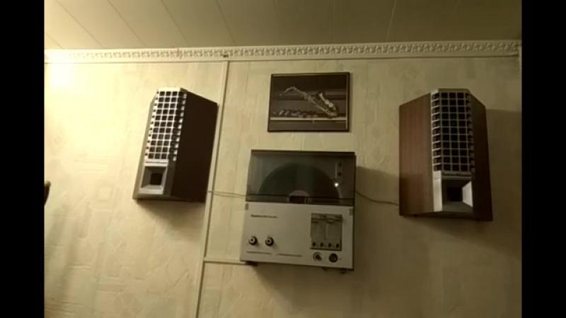 Каравелла-203 Стерео электрофон в вертикальном исполнении turntable Karavella -2