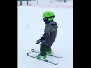 Иссак Ривер Олсен второй раз в жизни встал на лыжи.