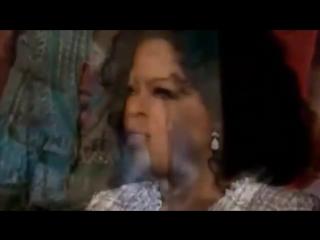 Oprah pretending to know the lyrics to Mariah Carey songs
