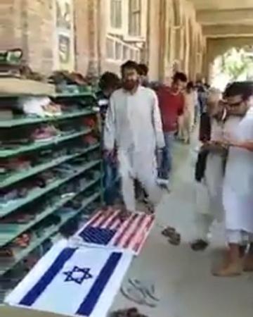 "Явилась Истина,и Сгинула Ложь! on Instagram: ""Из Пакистана с любовью... 🤳🏼Подпишись👇🏼 👉🏻@imuvahhidoff 👉🏻@muvahhidway 👉🏻@imuslimoff Ислам Коран С..."