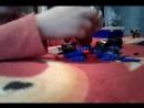 Мой брат делает машину из лего