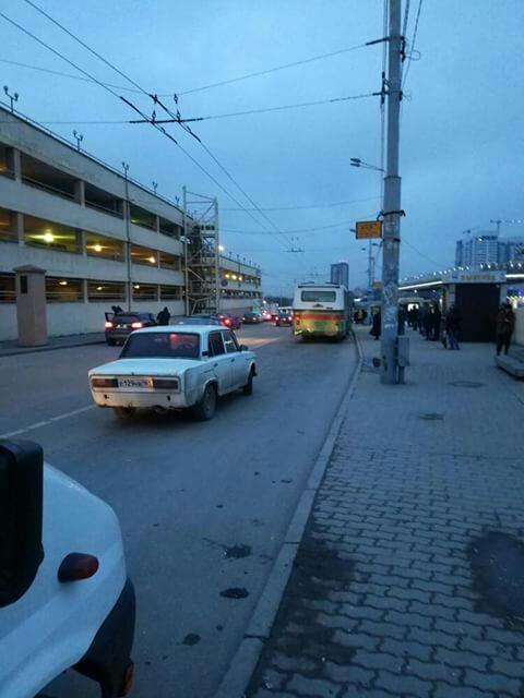 Добрый день, сегодня узнала, что маршрутки на Зерноград отправляются не на вокзале, а как раньше с остановки.