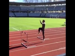 Чувак умеет нехило прыгать (VHS Video)