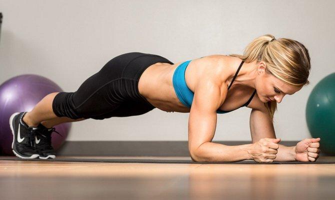 10 лучших упражнений для рельефного пресса