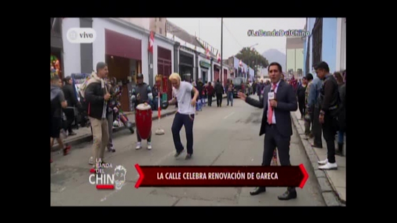 Nota - La Calle celebra renovacion de Gareca