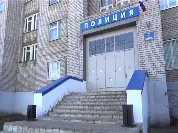 46-летний мужчина залез в квартиру пенсионерки и украл швейную машинку