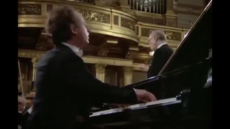 Maurizio Pollini - Mozart - Piano Concerto No 23 A major K 488 (Karl Bohm)