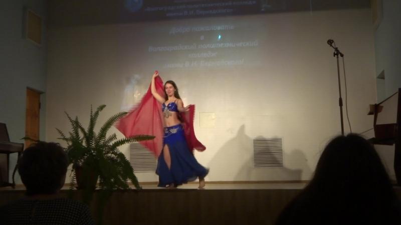 Восточный танец в исполнении Трофимовой Натальи