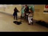 Музыка из сериала игра престолов в метро Минска
