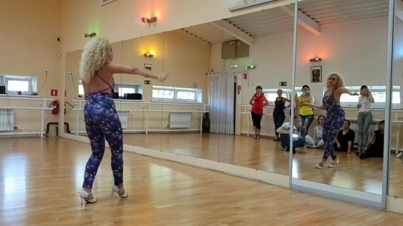 Special women's class / Lady's Style by Anna Fisher for Kizomba weekend in Tomsk