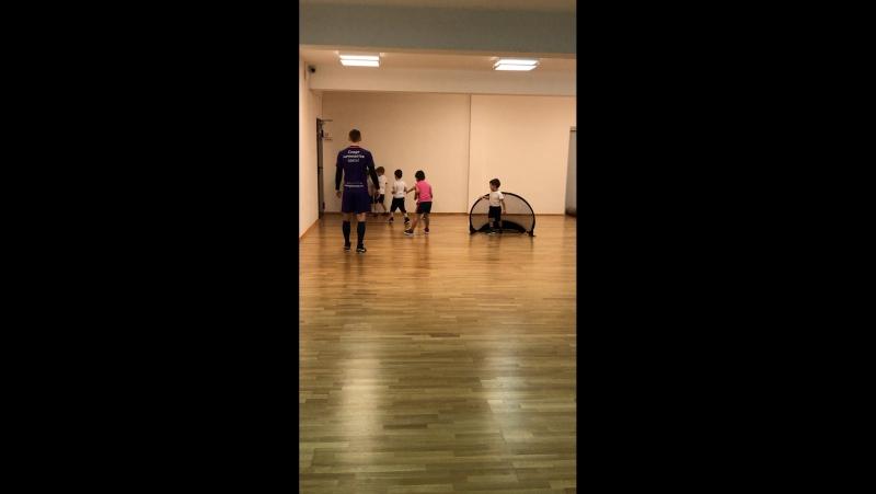 Футбол в детском саду «Маленькая Страна»