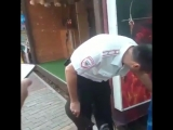 В Сочи очередной скандал с предприимчивыми предпринимателями, которые бродят с животными по пляжу!