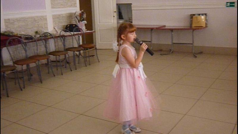 я пою в дебёсах (6 лет)