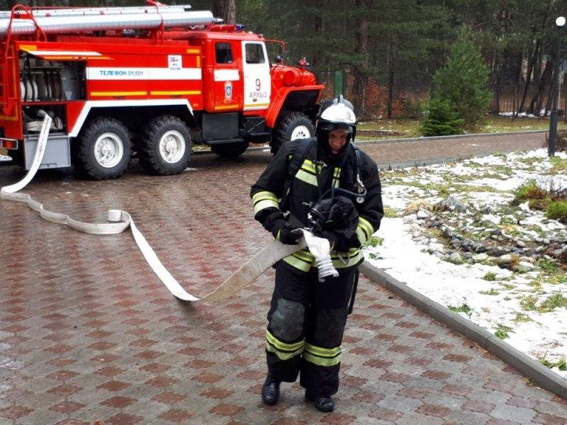 В Зеленчукском районе огнеборцы провели пожарно-тактические учения