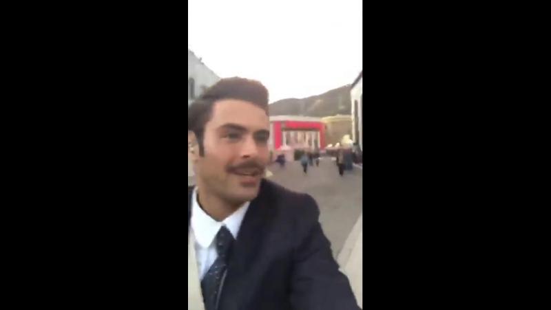 Видео с живого выступления звёзд фильма «Величайший шоумен» A Christmas Story для канала FOX
