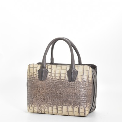 56203319f702 ... с тиснением под ткань, используется в изготовлении для форма устойчивых  сумок, так и в комбинации с другими кожами кальфом, трэччиа и т.д.