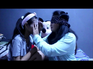 Blindfolded makeup challnge w-my bestfriend