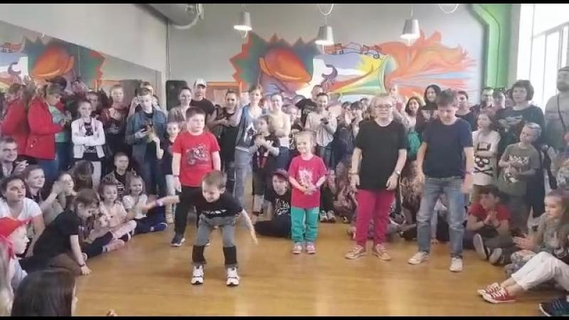 DeFunkyFunky battle. Hip-Hop kids preselection. Dance Team Just Do It. Artemka