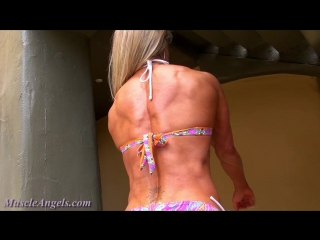 laura_foster_physique_perfection1