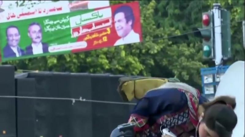 Сучка сдохла в прямом эфире PakistanTV от инсульта (реальные кадры)_oren.Prikol.ru