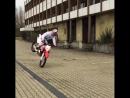Чувствовать мотоцикл надо как-то так) или около того! SuperMotoRu