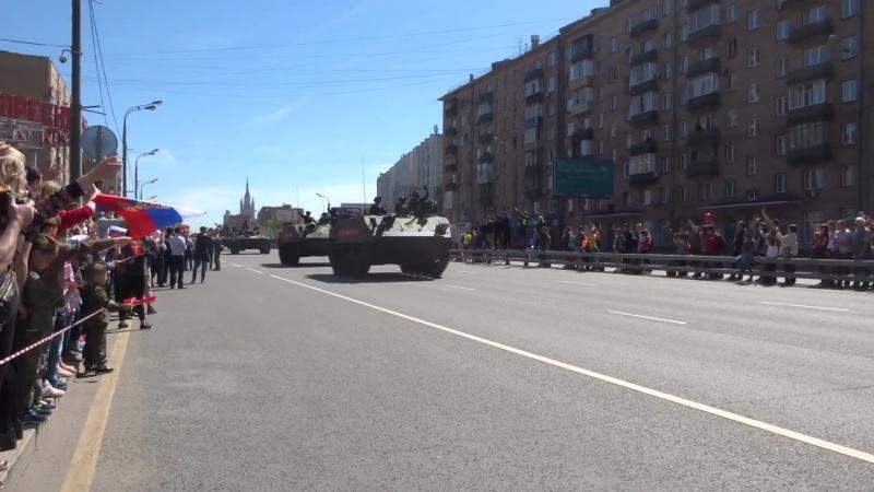 9 мая 2018 г. Звенигородское шоссе. Возвращение техники с парада