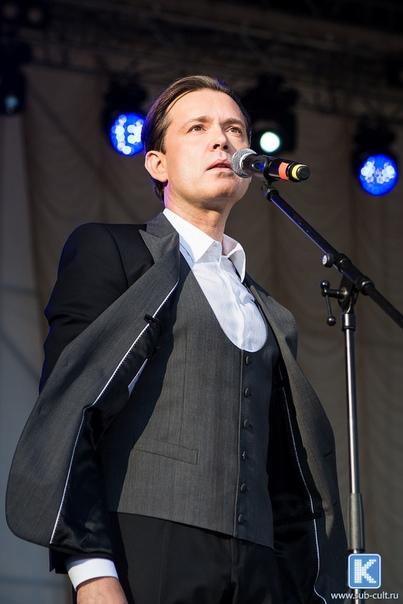 2 июня  2018 г, участие Олега Погудина в фестивале «Петербург live», посвященном 80-летию Владимира Высоцкого, СПт-г UsCkUZpLI7A
