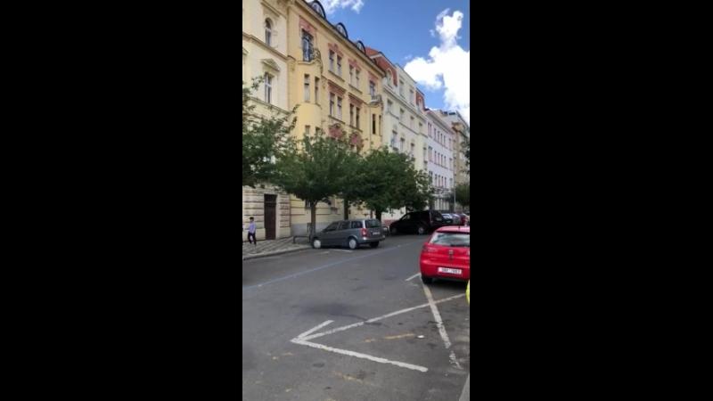 Náměstí Jiřího z Poděbrad.