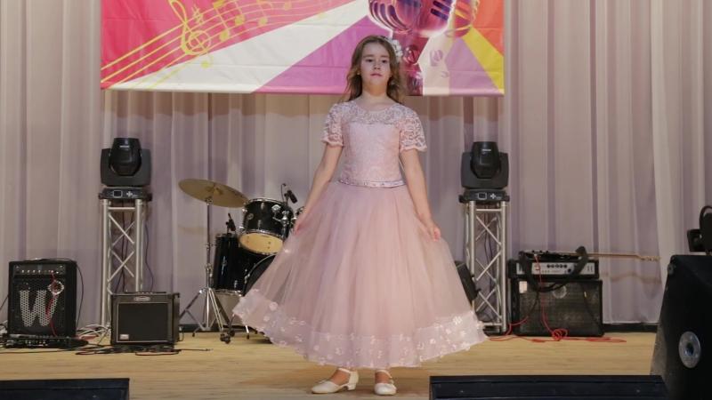 Модный показ Купидон на открытии конкурса Новые имена, г. Бор
