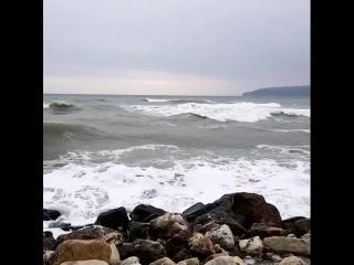 #Стихия #черноеморе #побережьеболгарии город #Варна #штормит #sea #blaksea #schwarzemeer #strand #sturm #storm #varna #Bulgaria
