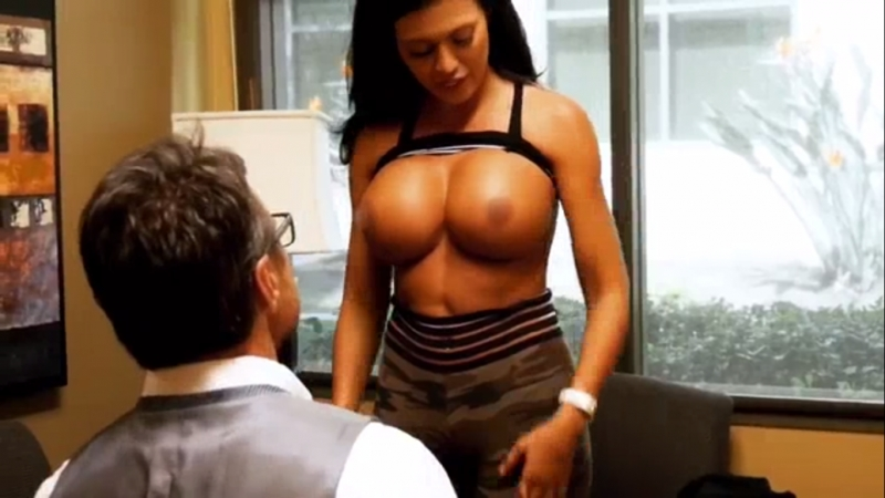 Italia Kash and her new boobs nude