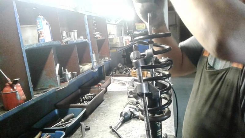 Nissan ALMERA CLASIC ( востановление амортизаторов задних стоек )