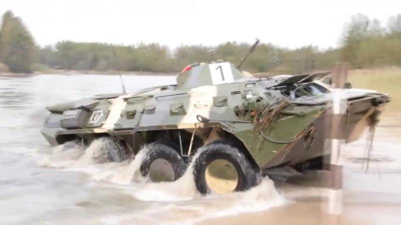 Преодоление водной преграды БТР-80