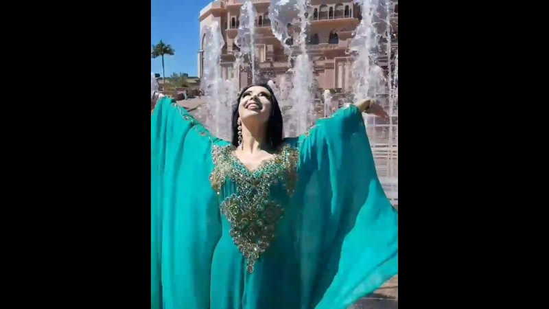 Astman Olesia in Emirates Palace - Fountain 💙