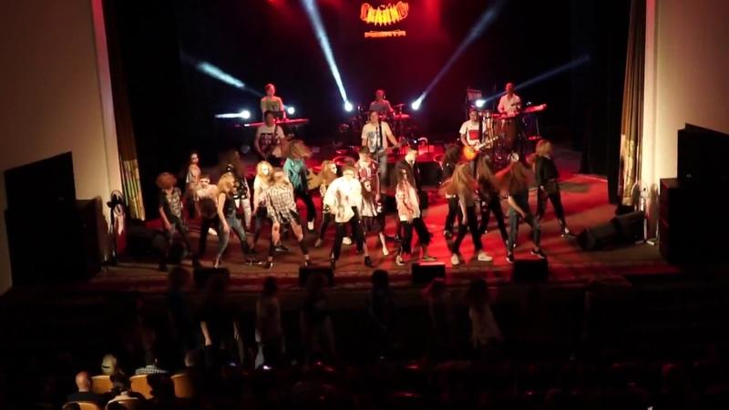 Концерт группы Баян и ребята / Michael Jackson - Thriller