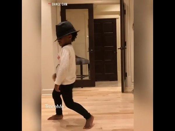 Ciara son dance Billie Jean. Michael Jackson