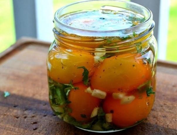 Быстрые маринованные томаты