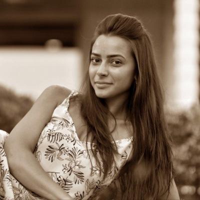 Анна Мирошниченко