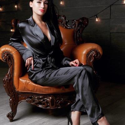 Элина Ахметова