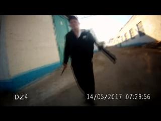 Нападение с ножом на сотрудника колонии (видео с регистратора)