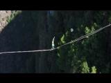 450,59 метра по стропе над пропастью вслепую за 26 минут!