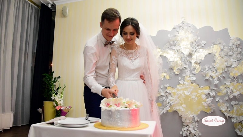 SweetFancy Весільний торт для Світлани Олександра