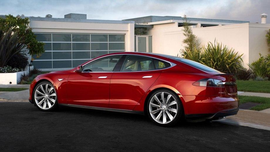 ПРОДАМ ЭЛЕКТРОМОБИЛЬ Tesla Model S 2013 года
