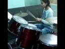 Я играю на барабанах