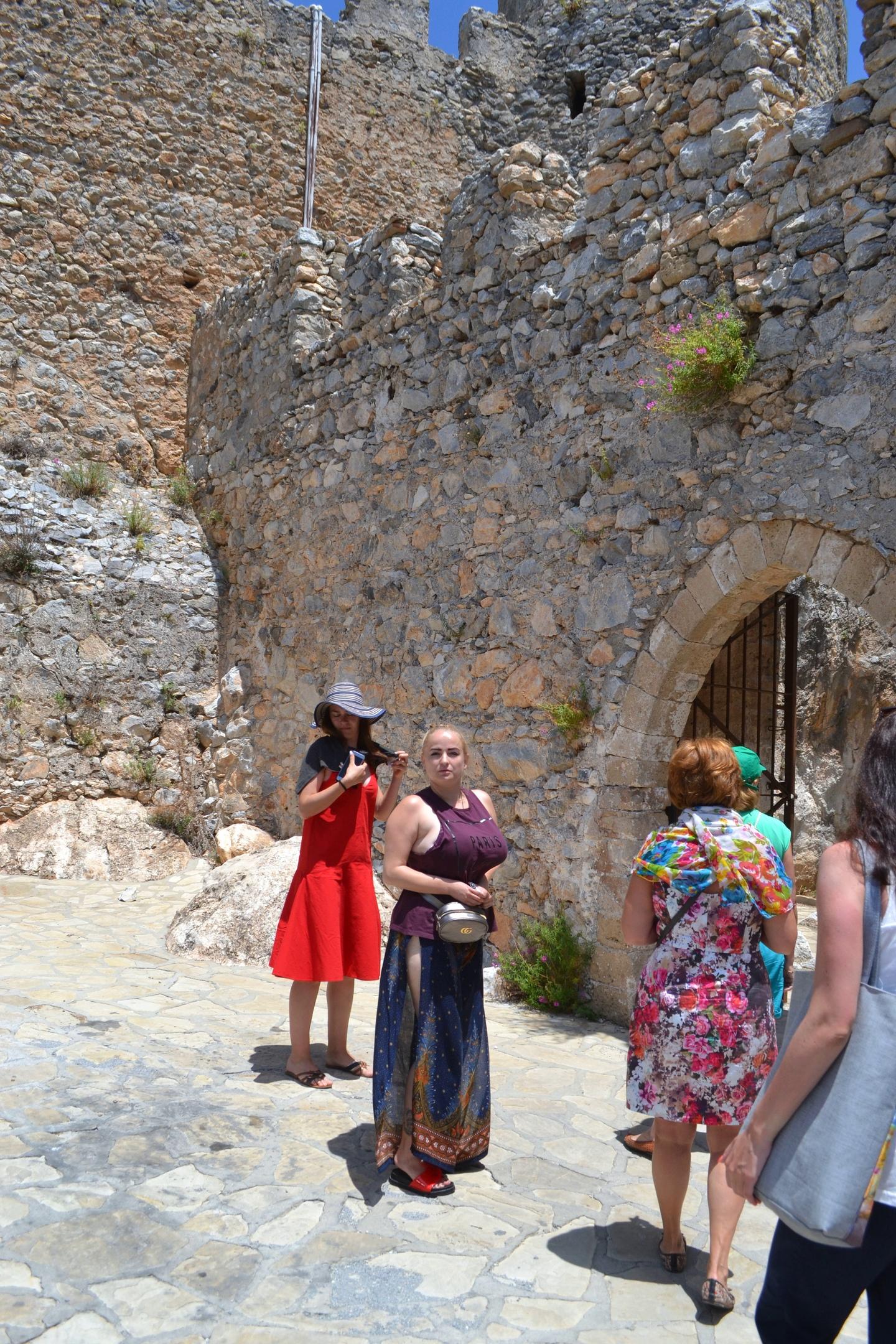 Северный Кипр. Замок Святого Иллариона. (фото). AAUpJQ3N8rs