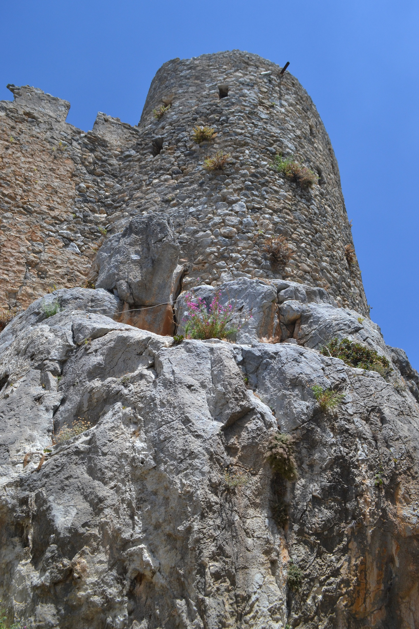 Северный Кипр. Замок Святого Иллариона. (фото). SXrlm7MG1cY