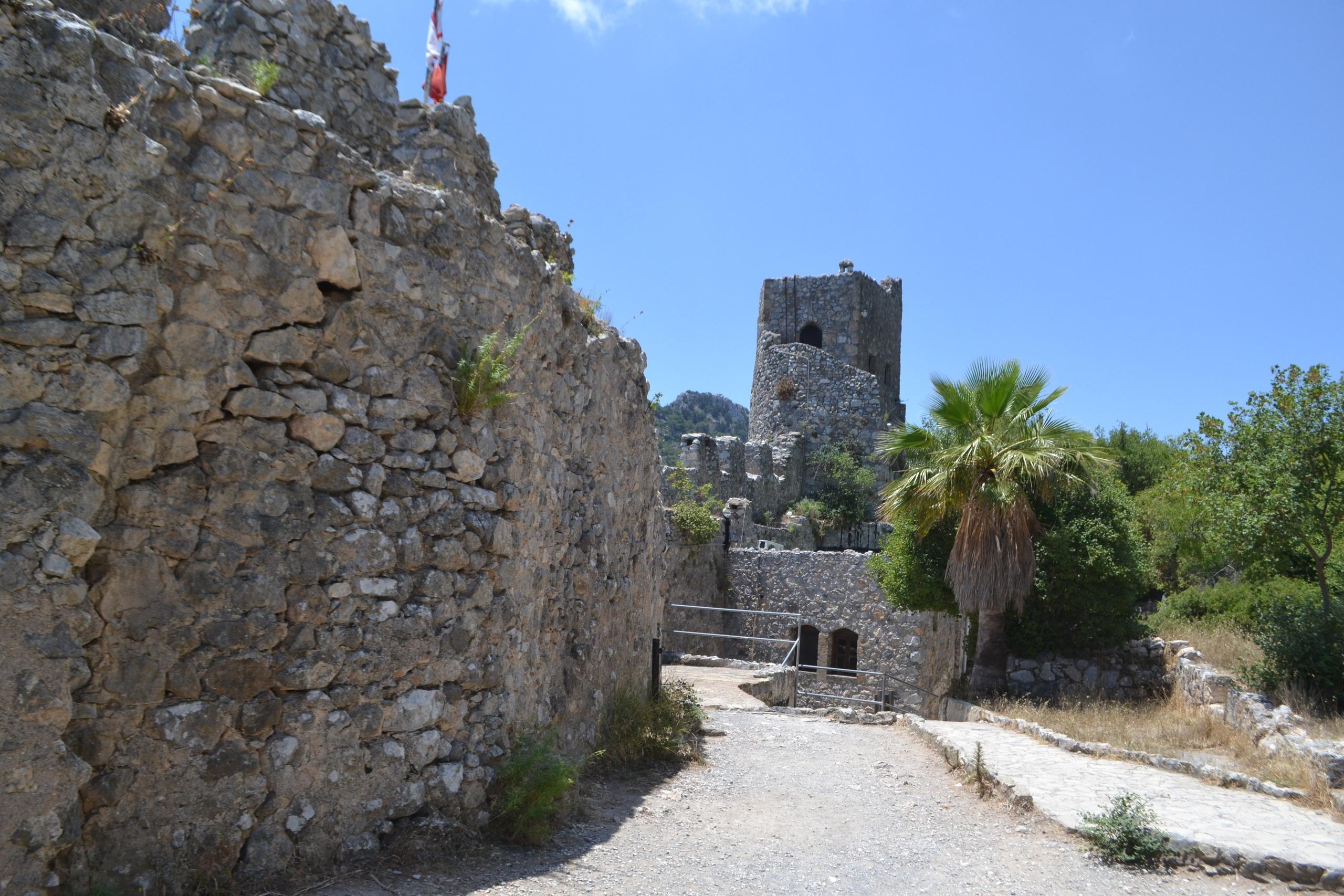 Северный Кипр. Замок Святого Иллариона. (фото). VWO4UKpbnL8