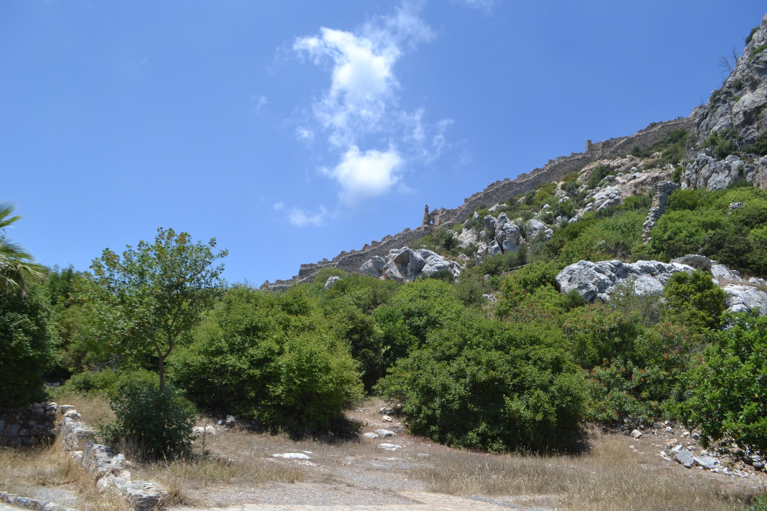 Северный Кипр. Замок Святого Иллариона. (фото). YIu347JZeT0