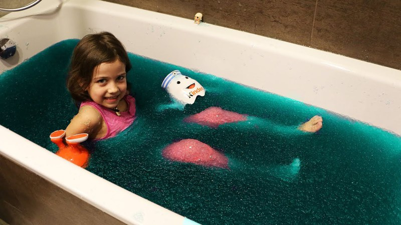 Джелли БАФФ в Ванной/ Игрушки сюрпризы Куклы Лол/BAFF TOY CHALLENGE GAME! LOL Surprise Baby Dolls