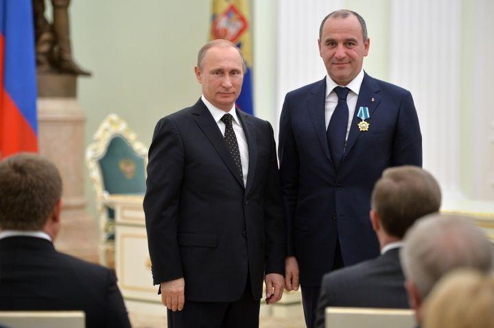 Путин наградил Темрезова